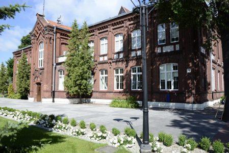 Więzienna uczelnia przejmuje budynki w Kaliszu. W rękach WSKiP 169-letnie więzienie