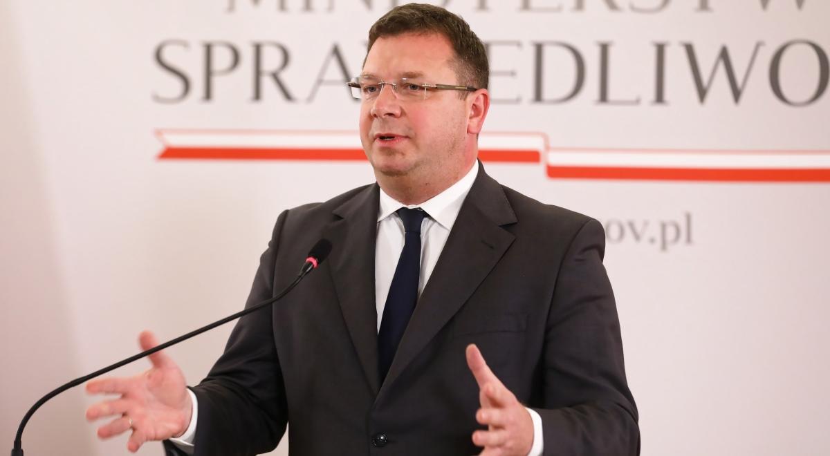 Wiceminister Wójcik o zakażeniach koronawirusem w Służbie Więziennej