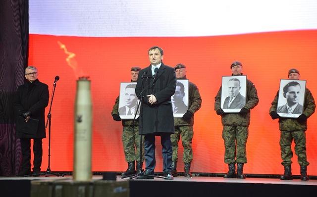 """Oddaliśmy hołd niezłomnym bohaterom – zapłonął """"Ogień Pamięci"""" ku czci Żołnierzy Wyklętych"""