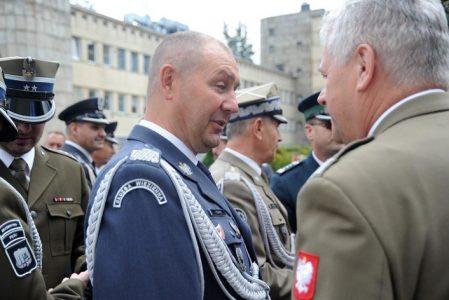 """Związki """"skarżą się"""" na szefa Służby Więziennej. Gen. Kitliński z votum nieufności"""