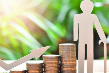 Brak wskazania w ustawie wieku emerytalnego dla funkcjonariuszy może być sprzeczny z ustawą zasadniczą?