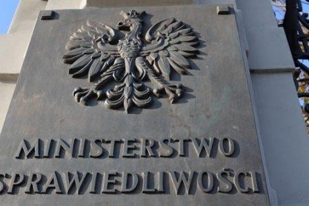 Wiceminister rusza na pomoc. Ministerstwo Sprawiedliwości chce zmian w projekcie dot. 15a