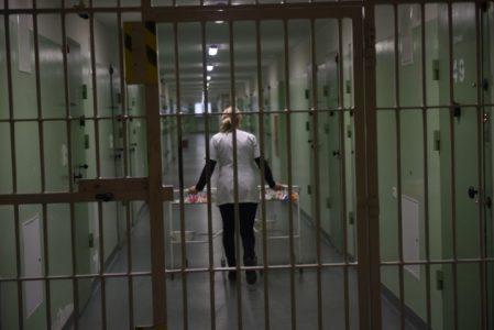 Najwięcej kapelanów jest w Służbie Więziennej – 182, ale etatów jest niespełna 90. Ile zarabiają?